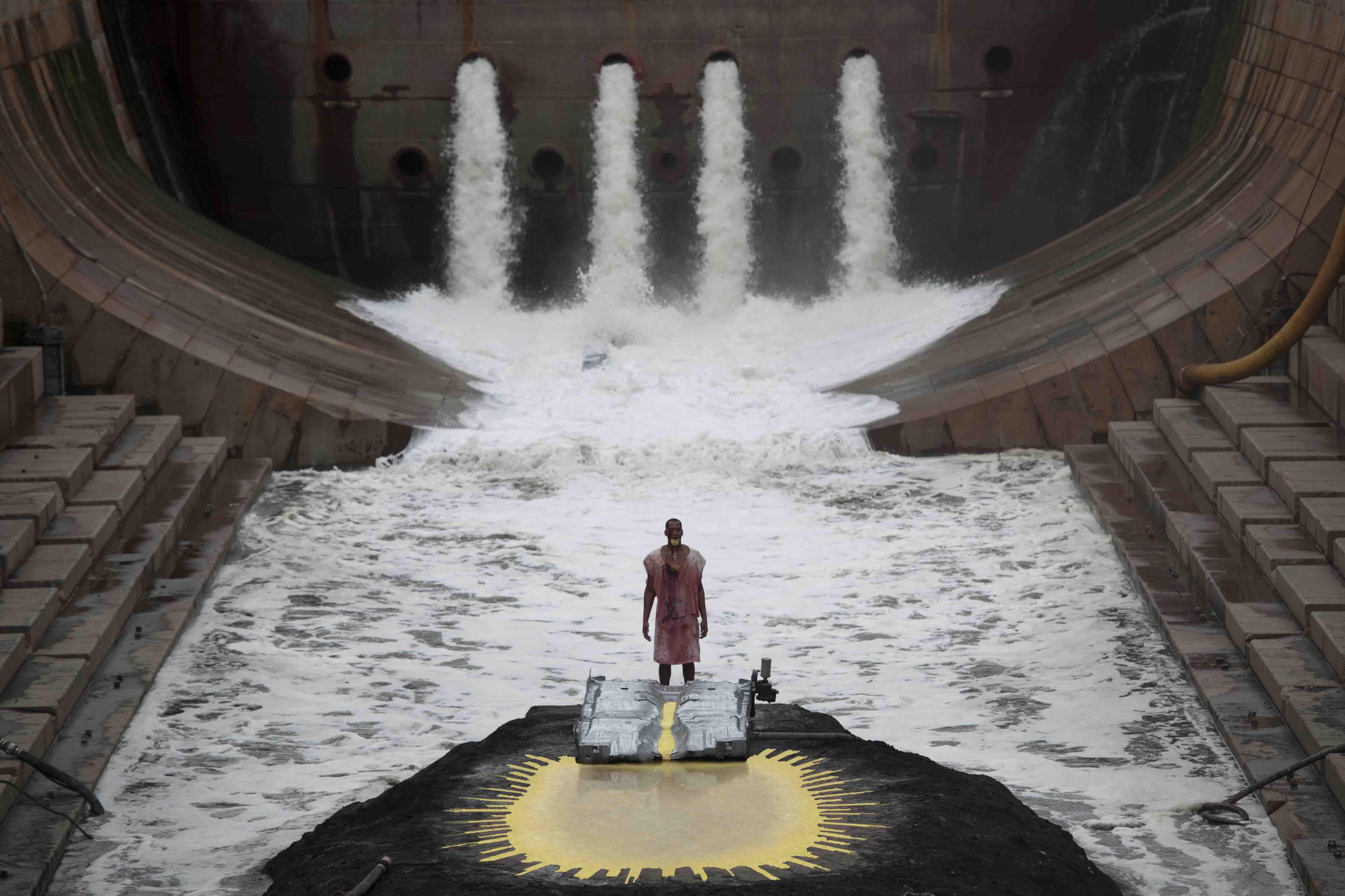 マシュー・バーニー&ジョナサン・べプラー『RIVER OF FUNDAMENT』大阪市中央公会堂(国指定重要文化財)特別上映