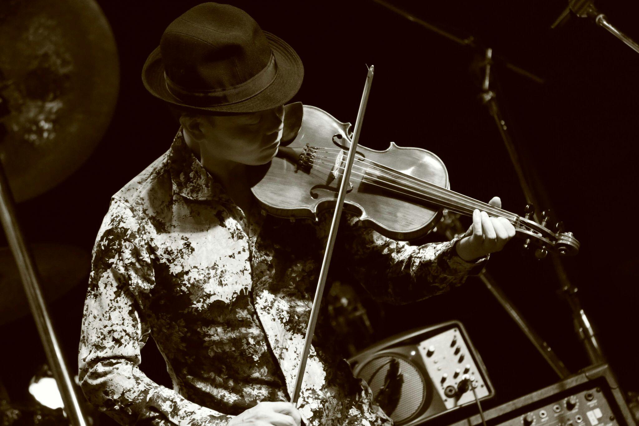 「超絶!ヴァイオリン×タブラDUO!」 ~ロックからケルト、アラブからインドまで~