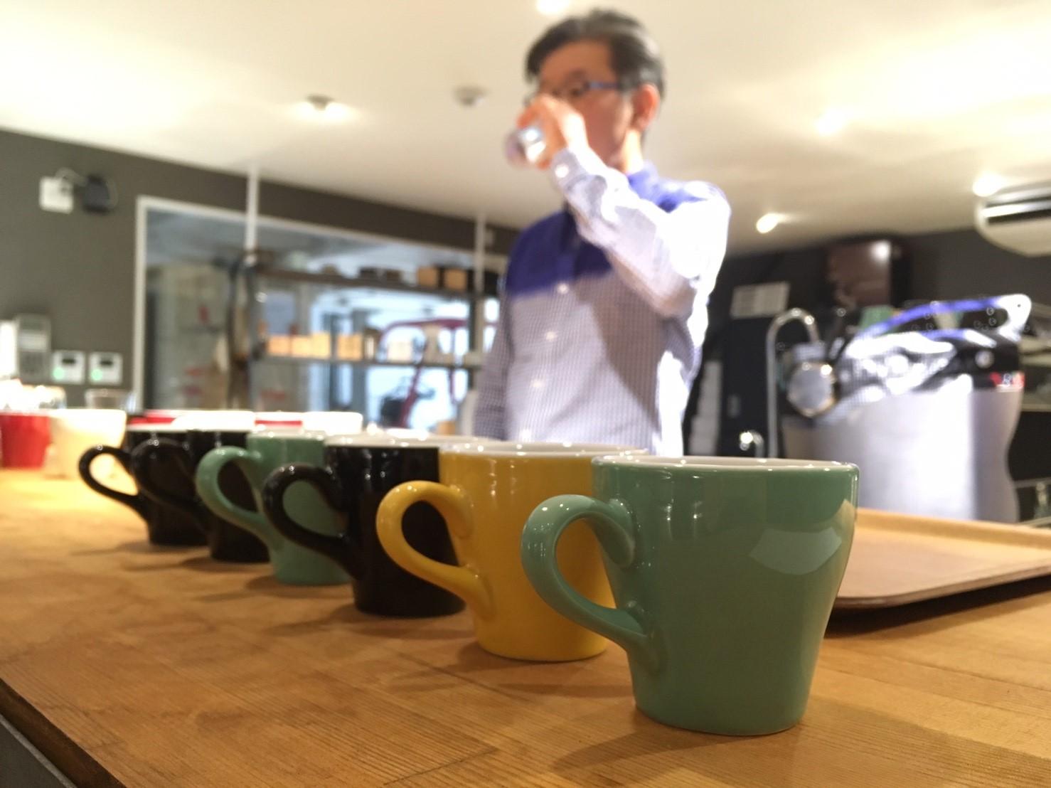 西宮と博多で嬉野さんと珈琲を学び、コーヒーハウスで語る会。と、旅する読書会。